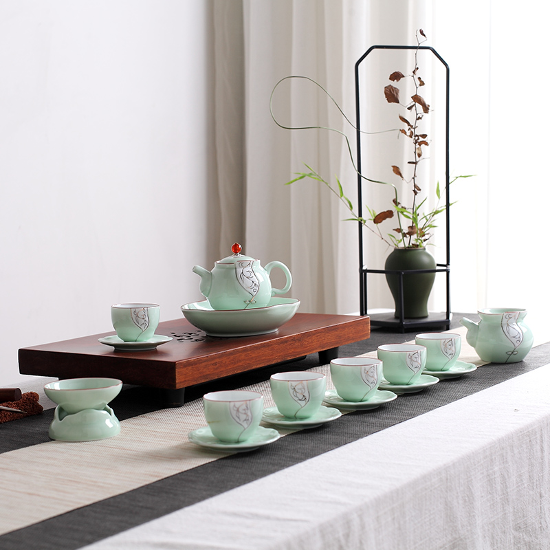 Red the jingdezhen ceramic celadon kung fu tea set household contracted teapot tea cups with pot bearing