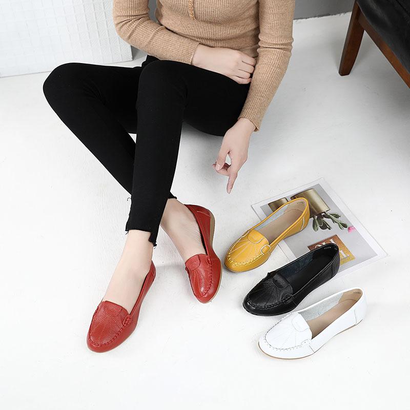 真皮妈妈鞋女春秋单鞋女软底舒适防滑透气豆豆鞋中老年人平底皮鞋