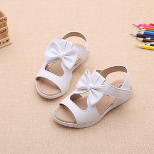 Girls sandals 2018 summer new Korean version of the princess shoes baby shoes children's beach shoes in the big children's student sandals