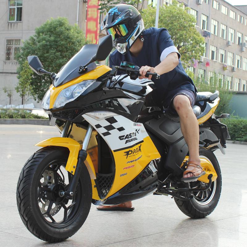 炫酷地平线电动摩托车电动跑车72V大功率电瓶车电动趴赛带储物箱
