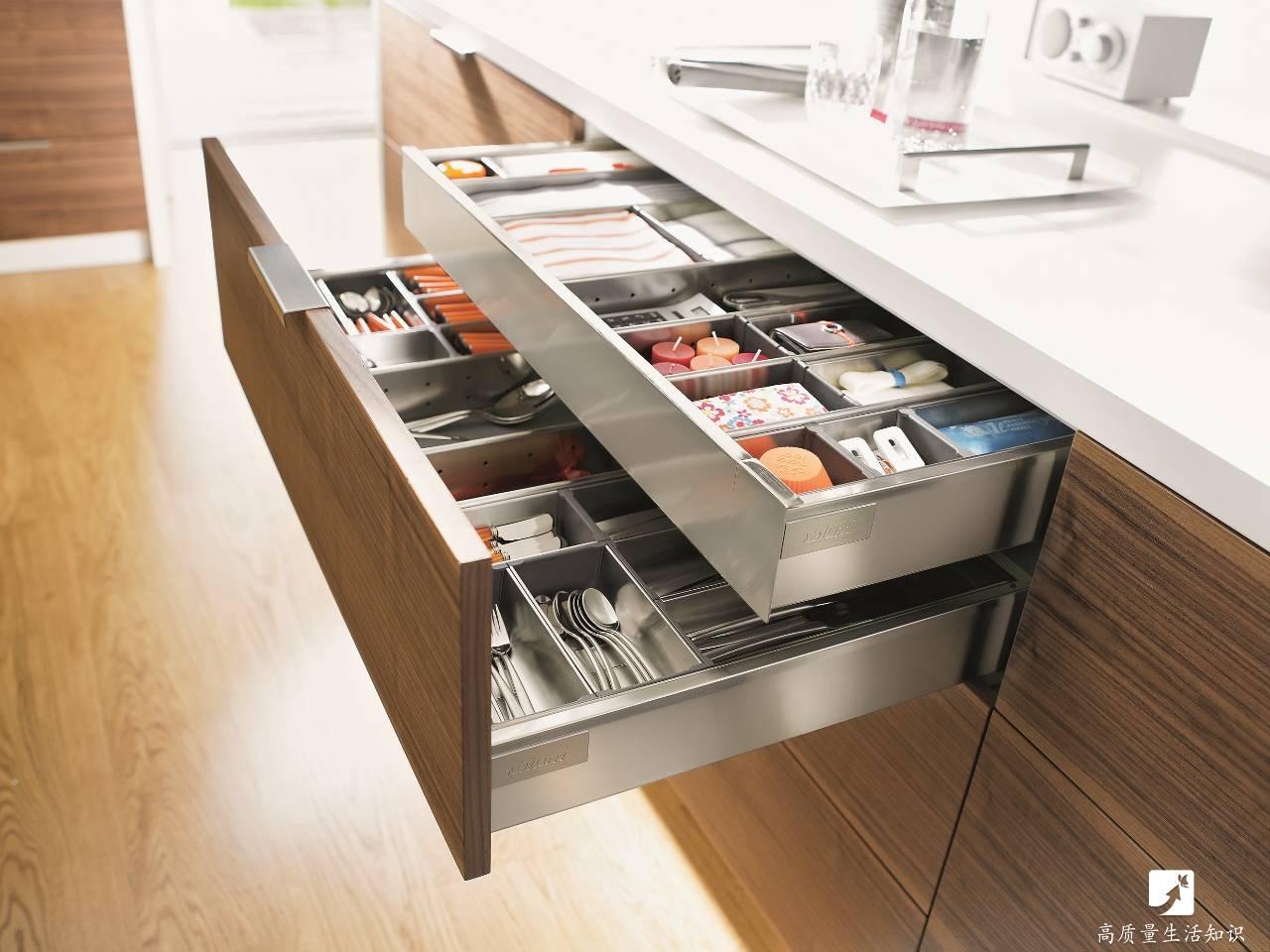 别嫌厨房小不够用,人家8平米置物上百件