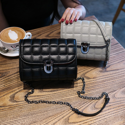 2017 new female bag Korean version of the simple small incense wind Lingge chain bag Ms. single shoulder Messenger bag lock small bag
