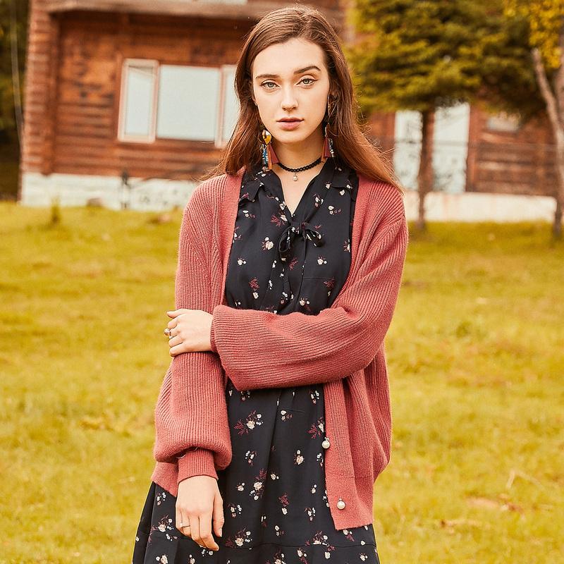 百图灯笼袖毛衣外套女纯色V领长袖针织衫开衫2018秋装新款1809T22