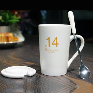 1314创意情侣杯子一对大容量陶瓷水杯带盖勺个性可爱马克杯咖啡杯
