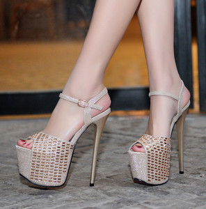 Platform pump , super high heels