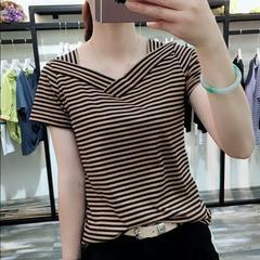 2020年时尚  V领条纹短袖上衣夏季新款显瘦T恤打底衫时尚女装小衫