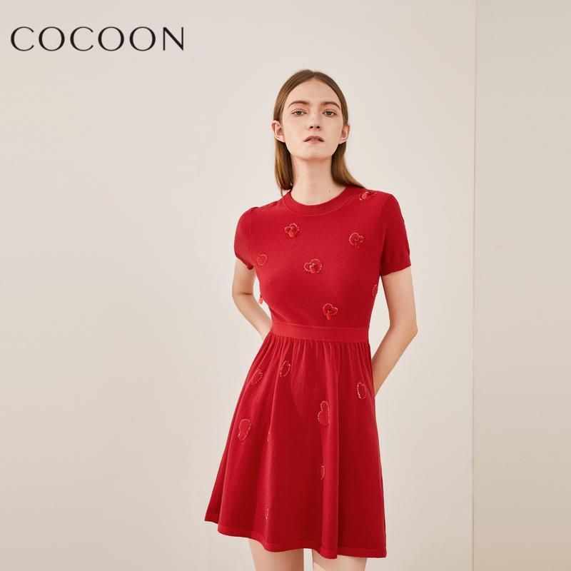 可可尼秋装女2018新款气质圆领心形亮片高腰修身羊毛针织连衣裙