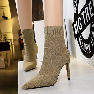 315-2 han edition fashion contracted winter fashion female boots high heel with pointed a pedicure thin wool short boots