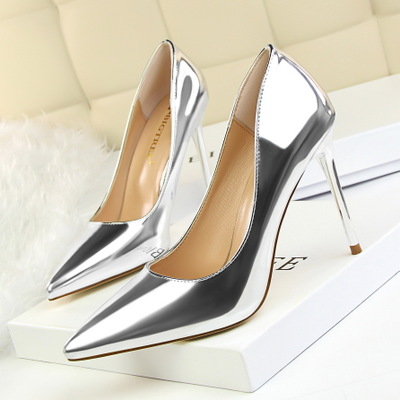9219-13 European and American fashion contracted wind high heel with metallic light pointed mouth thin and sexy nightclu