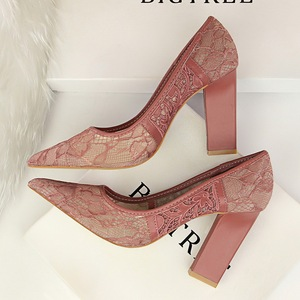 5239-12 in Europe and America to restore ancient ways with shallow high heels thick with pointed mouth mesh embroider li