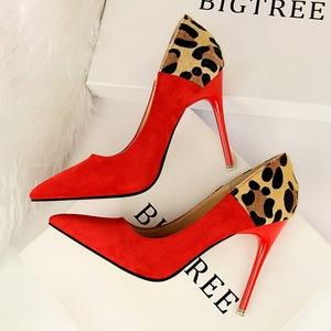 1717-2欧美风女鞋细跟高跟浅口尖头性感夜店显瘦绒面拼色豹纹单鞋
