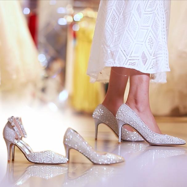 2018新款婚纱照水晶鞋银色高跟鞋细跟尖头水钻新娘鞋婚鞋礼服单鞋