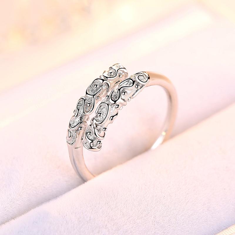 欧维希时尚心形镶钻戒指女日韩s925银简约钻戒指环情侣开口戒指