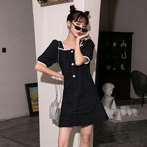 实拍2020夏季新款法式复古小众显瘦灯笼袖洋气减龄方领连衣裙...