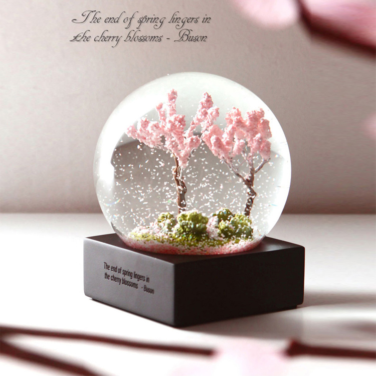 Hong Kong Nine Pig Four Seasons Crystal Ball Spring And Summer Autumn Winter Desktop Decoration Birthday Gift Wedding To Send Girlfriend