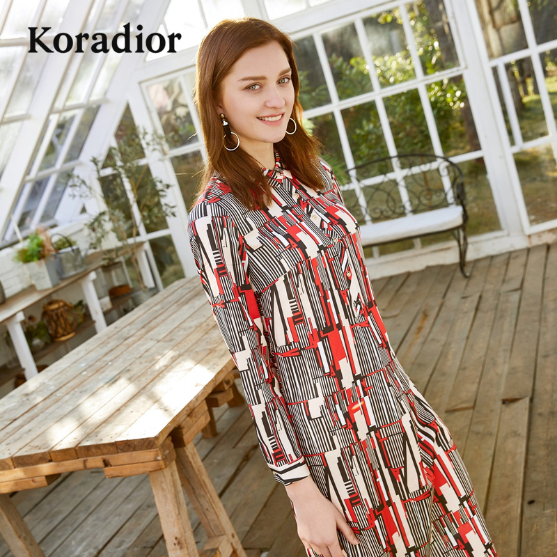 Koradior-珂莱蒂尔品牌女装2018秋装新款长款衬衫印花连衣裙修身