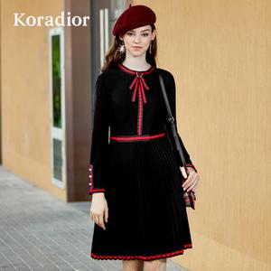 Koradior/珂莱蒂尔品牌女装2018冬装新款修身百褶显瘦法式连衣裙
