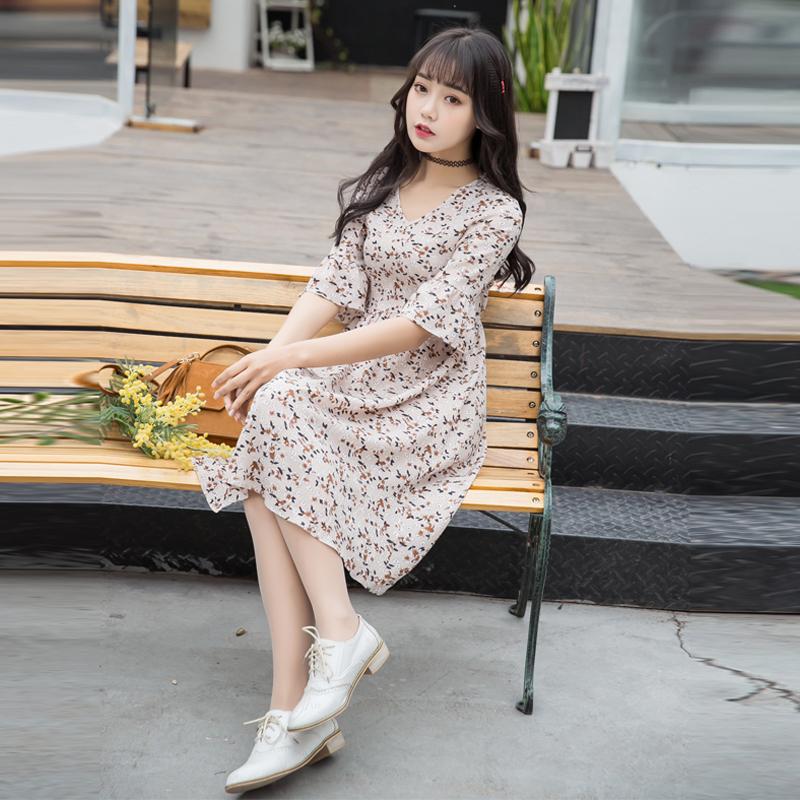 实拍碎花雪纺连衣裙2017春夏新修身显瘦V领喇叭袖甜美印花裙