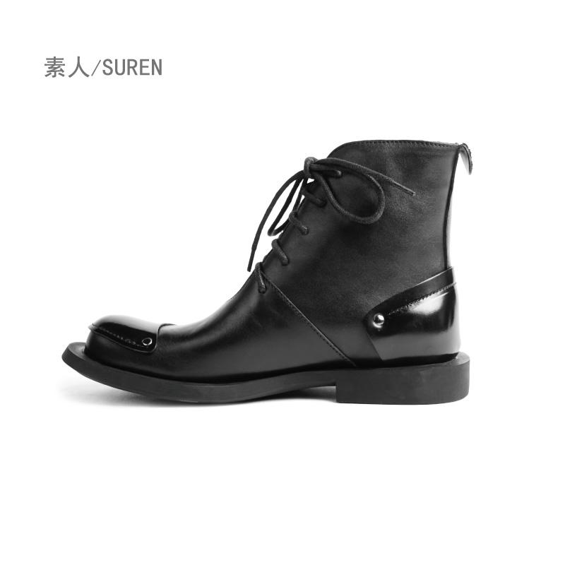 素人原创设计 经典帅气铆钉装饰系带真皮女马丁靴 SDE2036