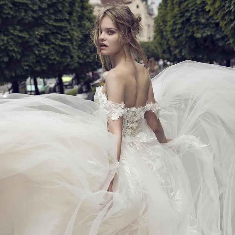 婚纱2018新款欧美新娘拖尾出门纱公主梦幻森系旅拍一字肩V领抹胸