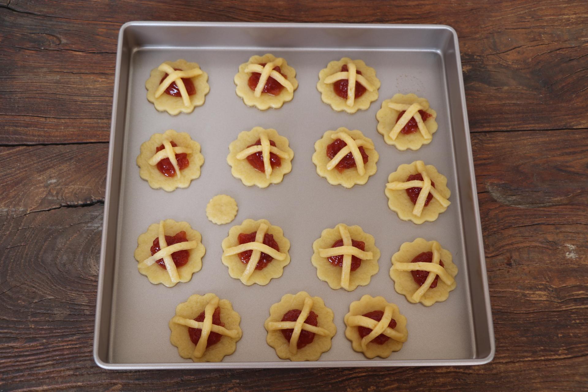 原来草莓还能这么吃~快手做出美味酥!