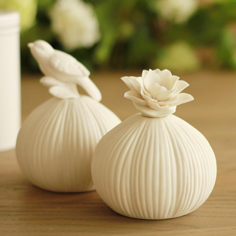 鸟与花家白色香薰瓶陶瓷摆件