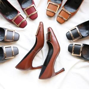guciheaven/古奇天伦 网红同款 胎牛皮 方头方扣单鞋 香蕉跟细跟高跟鞋 气质女鞋7cm