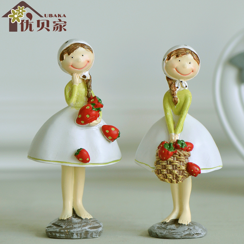 Creative set new continental country Strawberry girl wedding gift decorations wedding room decoration crafts