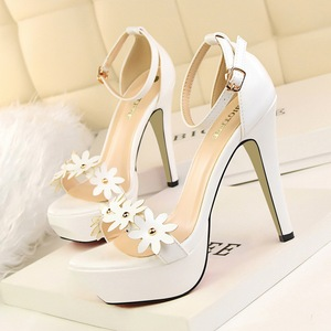 3599-1 han edition fashion high-heeled shoes sweet waterproof decorative flowers rivet one word with high heels sandals