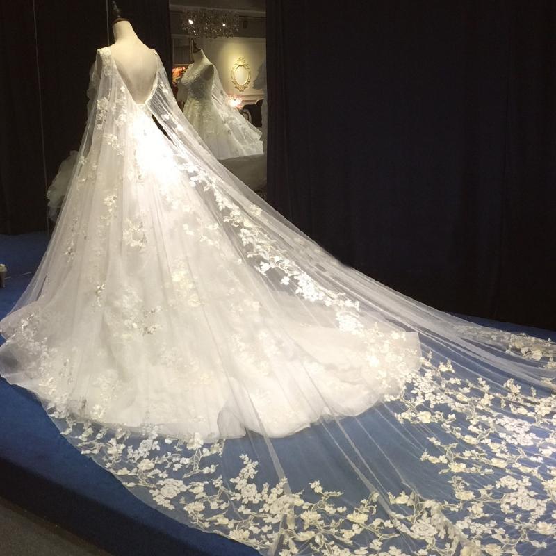 婚纱礼服2018新款新娘结婚一字肩长拖尾显瘦公主梦幻韩式宫廷