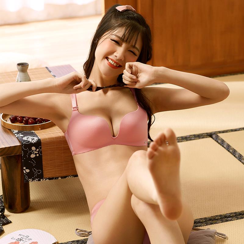 1豆尤品 光面春夏款无钢圈文胸聚拢调整型内衣收副乳女士性感胸罩