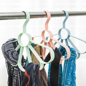 家用围巾收纳挂架圈环挂围巾的架子钩多功能衣架领带架皮带架