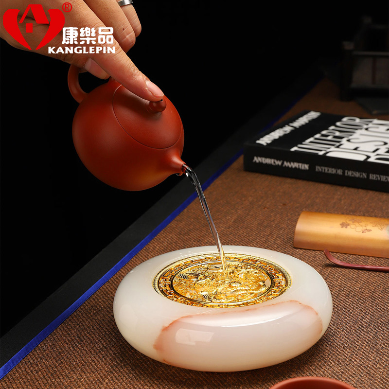 Recreational products jade glass jars on dry table mat copper pot pan bracket suet jade porcelain household utensils ashtray