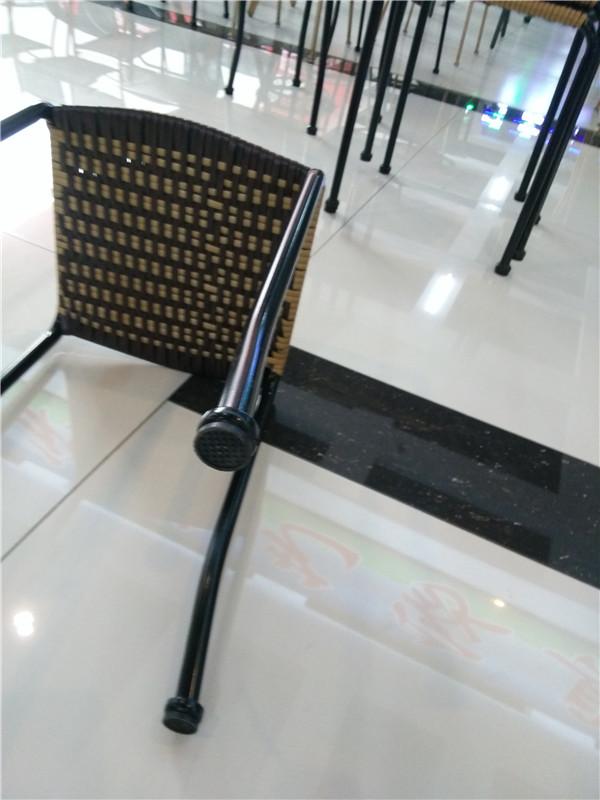 双边藤条编织凳子,简约而不简单的遇见,让你倍加倾心.