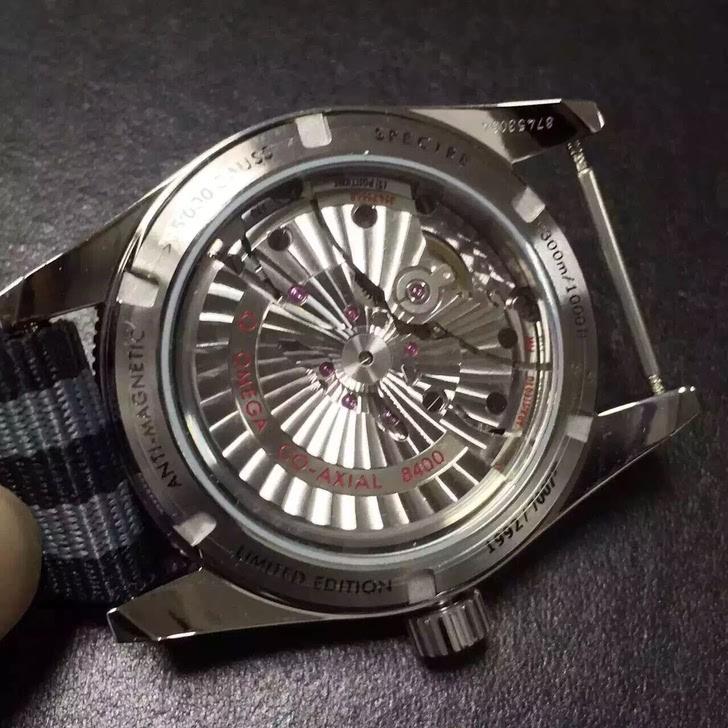 欧米茄 幽灵党 007 限量版手表图片
