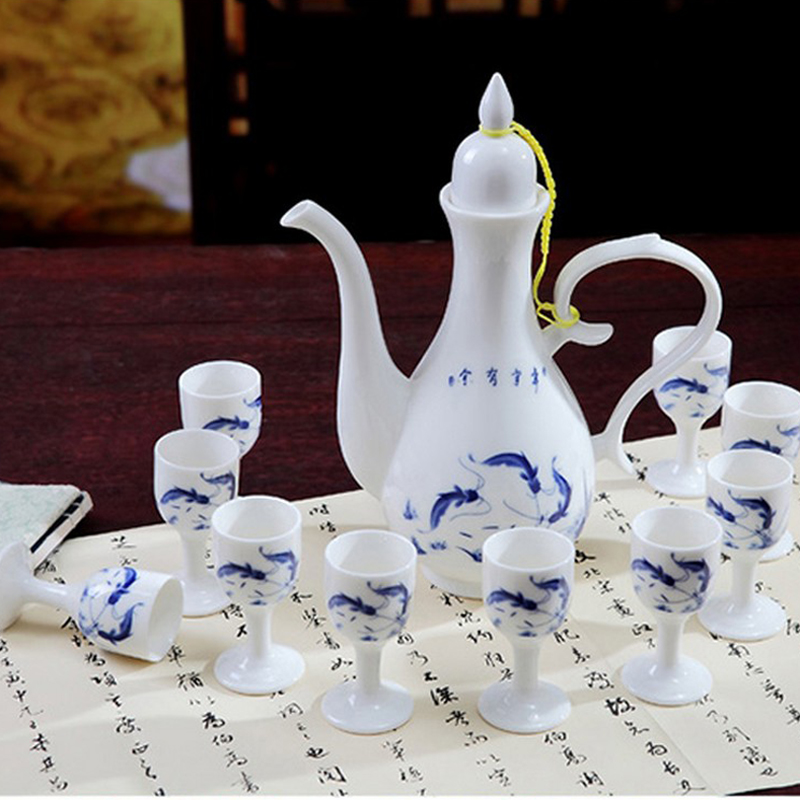 Jingdezhen ceramic antique blue - and - white Chinese wine suits for small white wine wine wine bottle of blue and white porcelain rice wine glass