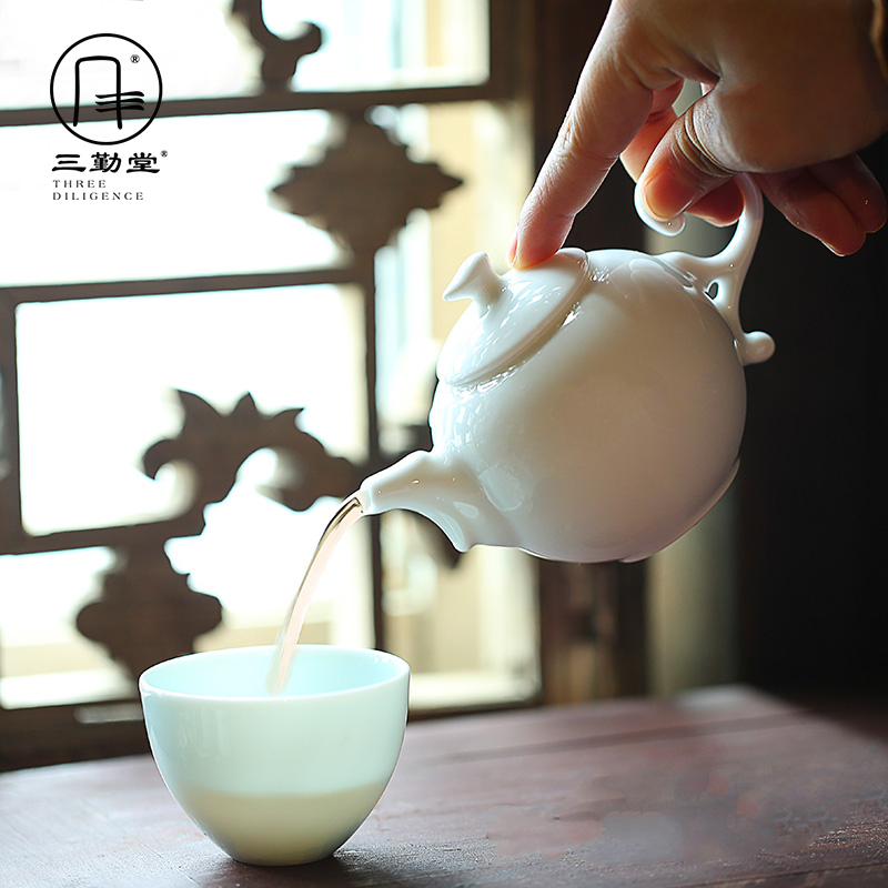 The three regular white porcelain of jingdezhen ceramic teapot kung fu tea tea filter hand grasp S21004 pot of single pot