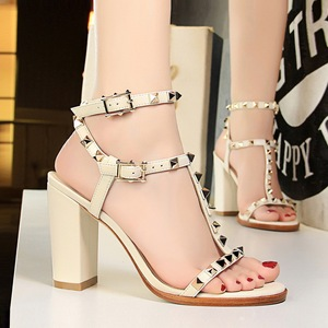 18017-Q2 high heels for women's shoes in Europe and America with sexy nightclub fashion thick with high metal