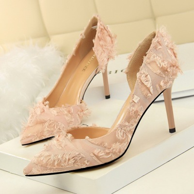 Han edition, 2891-88 fashion show tall satin heels with shallow pointed mouth side hollow out sweet maomao shoes