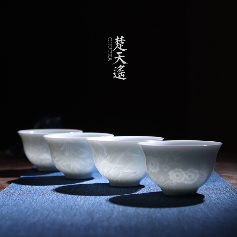 Poly real view jingdezhen shadow greengage LanZhuJu hand - carved sample tea cup green glaze ceramic masters cup personal cup