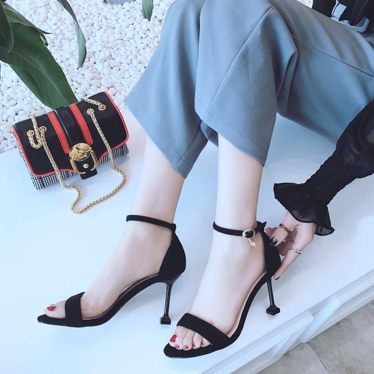 性感搭扣脚趾凉鞋2017新款女夏一字带中跟5cm细跟高跟鞋夜场猫跟_7折
