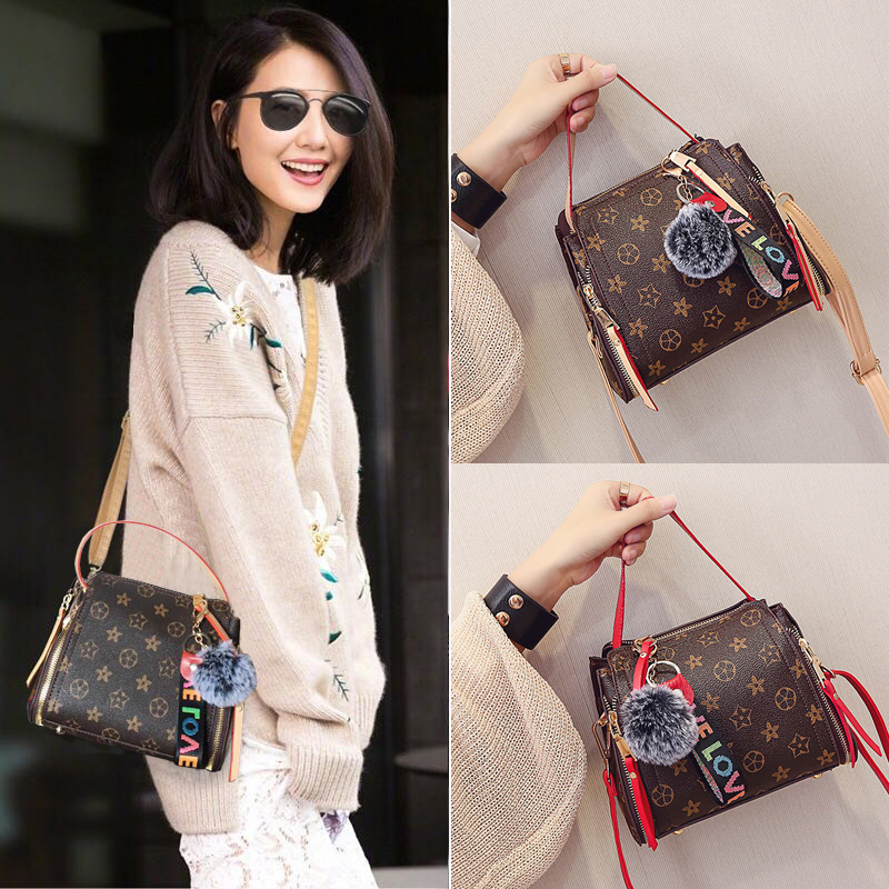 Women bag messenger bag shoulder bag 2017 new Korean simple fashion wild packet tide bucket portable handbag