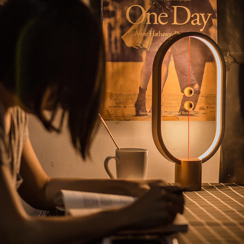 智能磁吸灯磁力平衡灯定制台灯家居生活灯创意小夜灯浪漫生日礼物