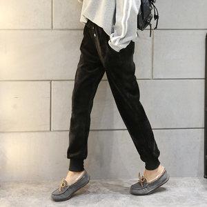 黑色金丝绒运动裤女学生韩版宽松18冬新款加厚加绒休闲小脚哈伦裤