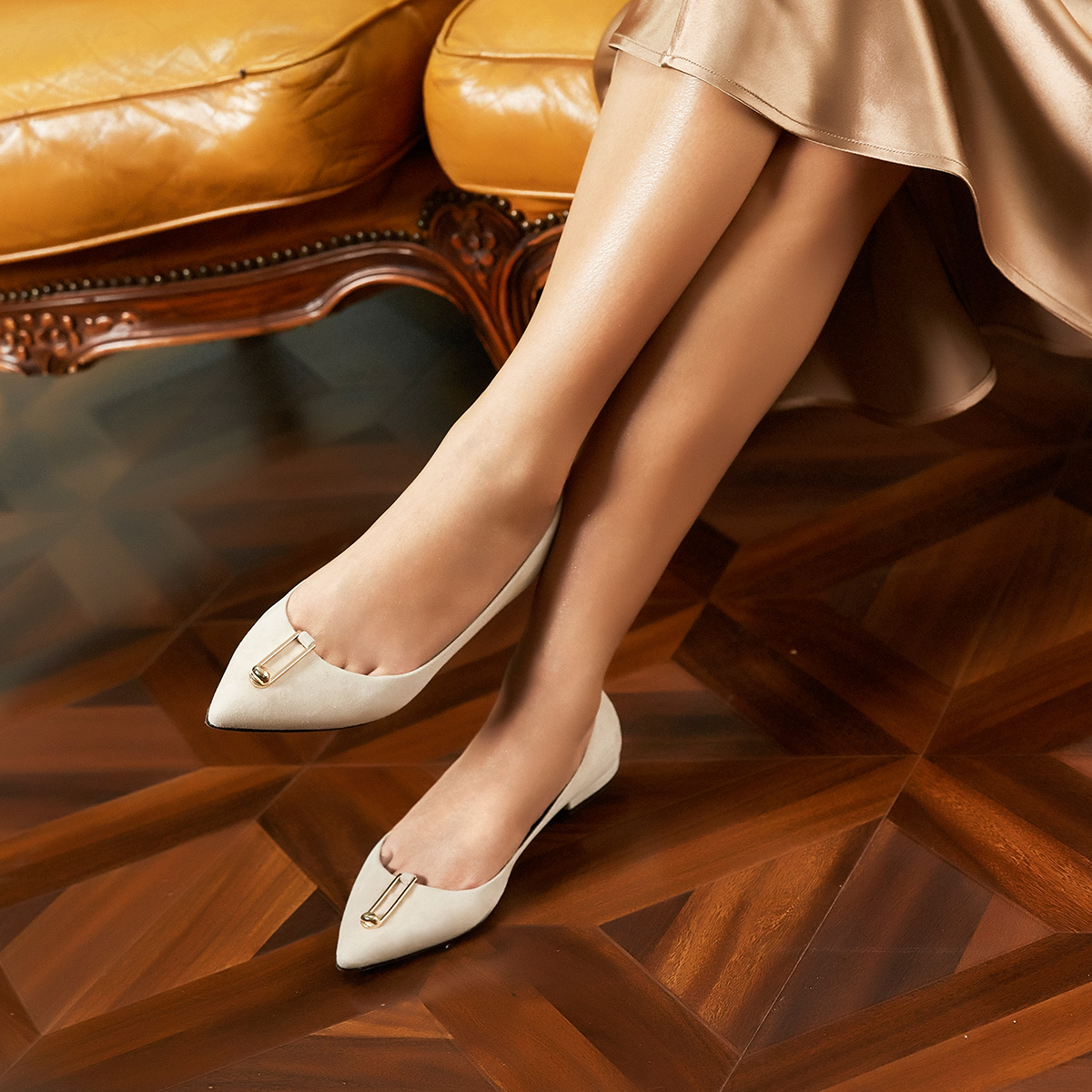 STELLA LUNA新品2018春季时尚金属装饰浅口尖头女鞋平跟单鞋