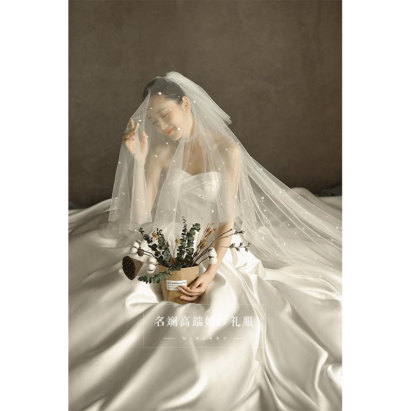 缎面婚纱2018新款新娘结婚定制简约拖尾公主梦幻宫廷复古抹胸婚纱