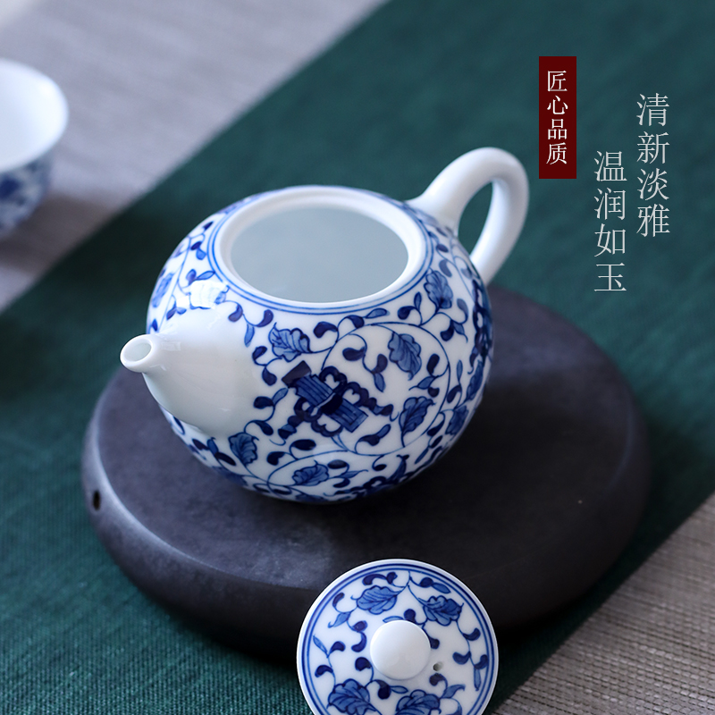 Hand - made bound branches in jingdezhen ceramic teapot small tea household kunfu tea kettle in use