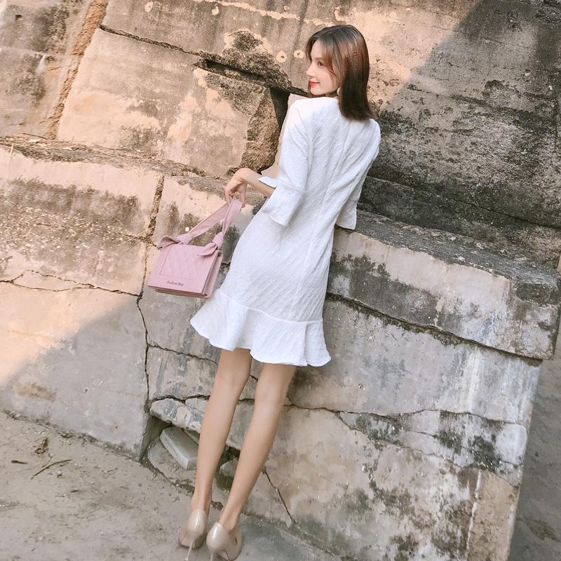 秋装女2018新款连衣裙中长款韩版气质早秋裙子修身显瘦白色鱼尾裙