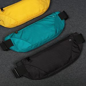 跑步运动手机腰包女2019新款时尚大容量防水隐形迷你超薄腰带包男