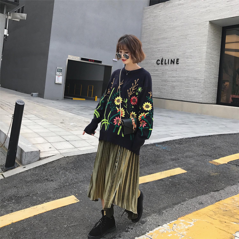 2017秋季新款绣花向日葵chic毛衣女套头宽松学生针织衫长袖上衣潮